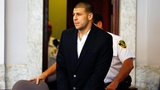Aaron Hernandez in court_32379592_7072536_ver1.0_160_90